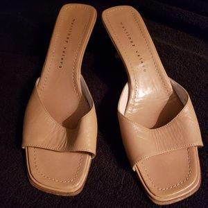 Woman's Martinez Valero Tan heel